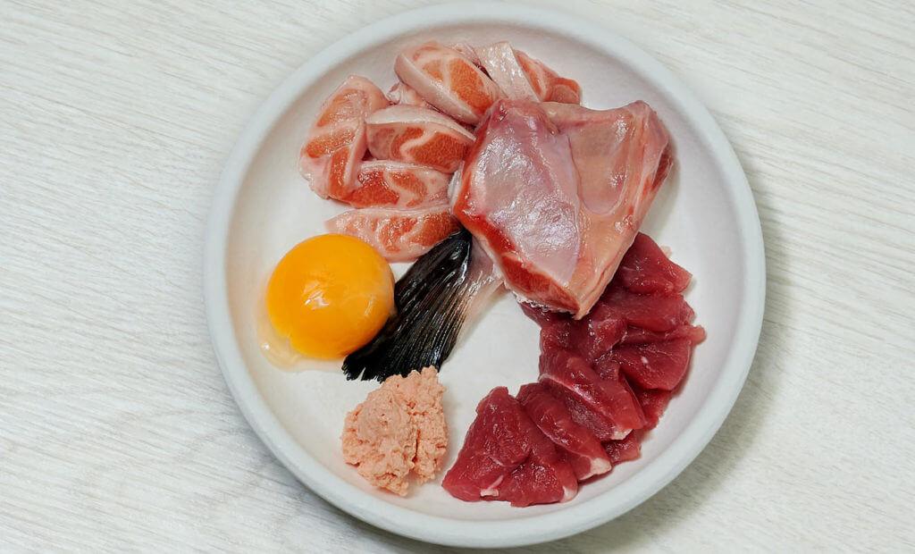 alimentos proteína y grasas carne de pollo y pescado